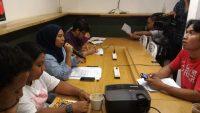 Rachmi Hertanti, Direktur Eksekutif (memegang mic)  Indonesia for Global Justice bersama anggota Koalisi Masyaralat untuk Keadilan Ekonomi,, menyatakan bahwa Perjanjian RCEP akan mengancam kedaulatan petani melalui pengaturan perlindungan hak kekayaan intelektual khususnya mengenai benih (photo by Putri Sindi)